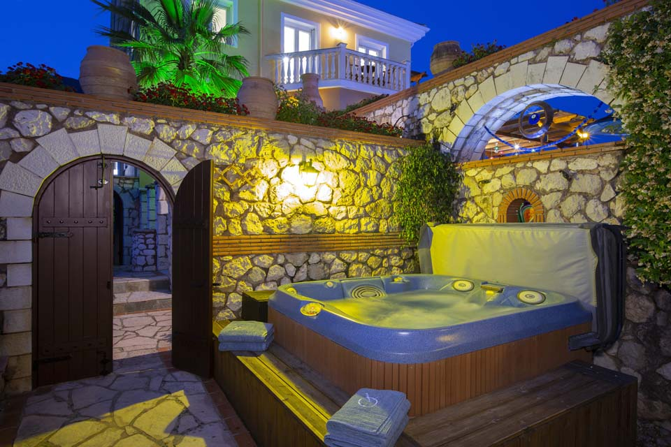 Jacuzzi at night at Villa Octavius