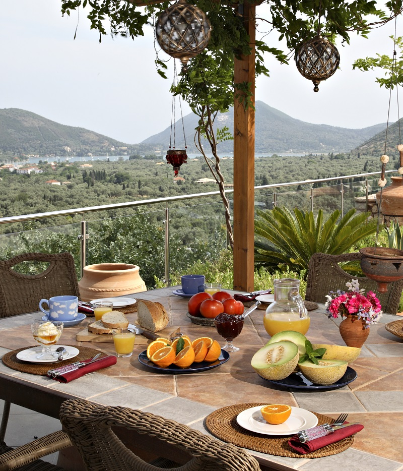 Brunch al fresco with stunning views