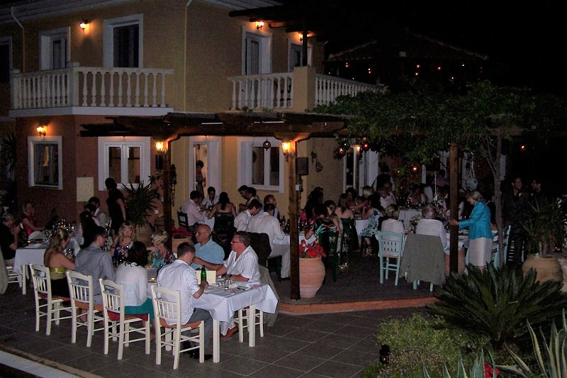 Villa Octavius evening wedding reception dining