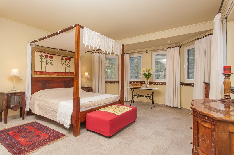 The 'Four Poster' bedroom at Villa Octavius